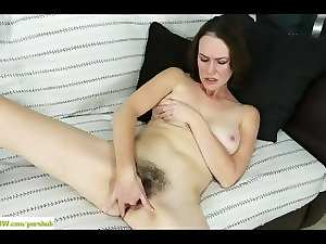 Mummy Veronica Smith Fingers Shaggy Vagina