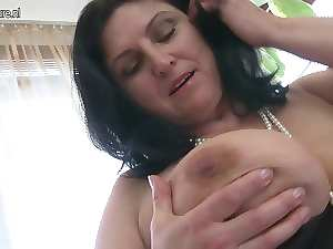 Lovely chesty attractive mature stepmom squirting