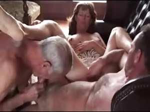 fat bisexual - threesomeamateurbisexual