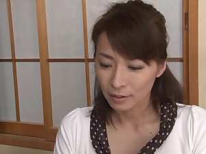 Hisae Yabe hot mature Asian babe likes it deep and hard
