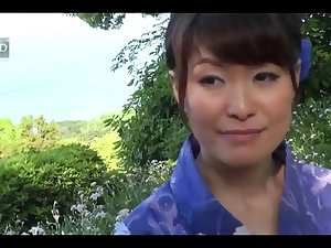 38yr old Hitomi Ookubo can't live without Fucking Outside (Uncensored)