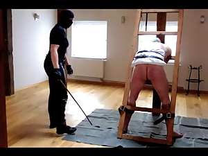 Strong mistress whips a submissive man 30 times