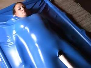 Cumming in Vacuum Bed