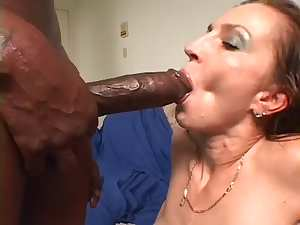 Hawt Cougar Squirt for dark mate with biggest pecker