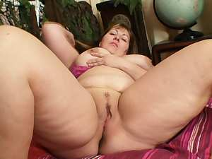 Big naturals on mature