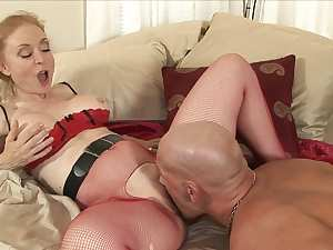 Christian fucks with a hardcore mature Nina Hartley