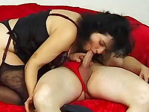 Curly mature brunette Stephanie Swing fucks in her head