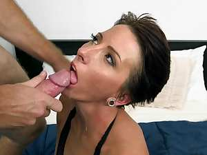 Facial for mature slut in need