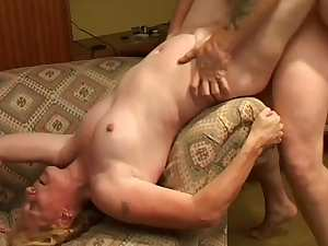 Homemade porn with a gorgeous blonde mature