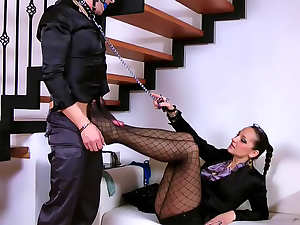 Her submissive will service her body