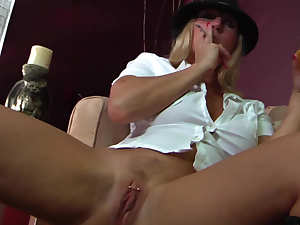 Devon Lee does dirty deeds with hard dick
