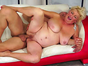 Mature blonde gets her beaver blasted