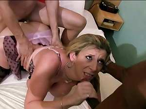 Two bangers are fucking this slutty blonde