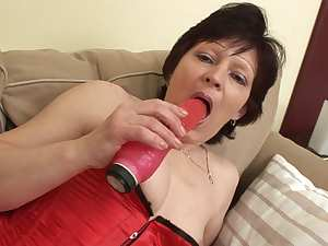Mature European lady Susane doing blowjob