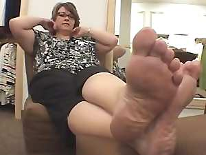 attractive mature big beautiful woman feet
