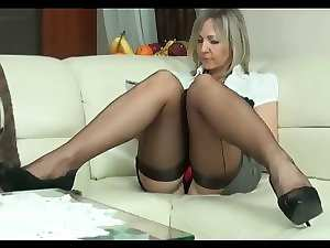 Cougar ALA in seamed stockings & high heels