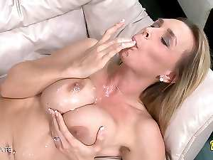 English Blondie Mummy Caresses On A Penis
