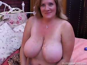 Pretty experienced Cute bbw Deedra delights cum all over her large melons