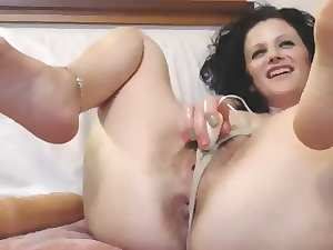 attractive mature harlot with bushy snatch from italy on orgasmic mode