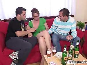 Lewd 3some with experienced gal after couple of beers
