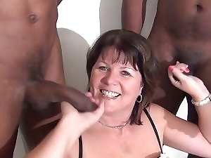 English experienced licking off black dicks