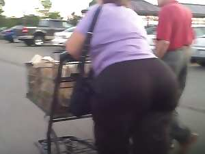 Gilf GrandMa Attractive mature Butt Naughty butt